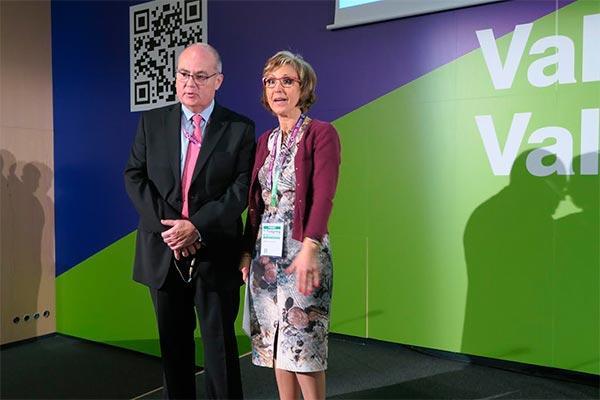 la conferencia inaugural de infarma incide en el papel del farmaceutico en la salud publica