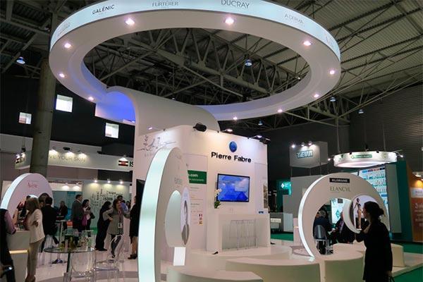 pierre fabre reafirma su compromiso con el sector farmaceutico en infarma 2017