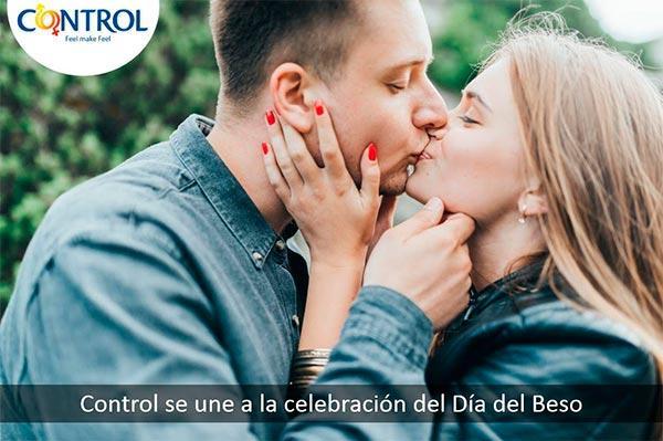 control reivindica la importancia de los besos en su dia internacional