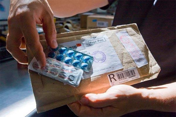 las farmacias mas criticas con el servicio logistico y la relacion comercial de los laboratorios farmaceuticos