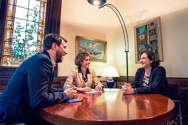 entente cordiale de gobierno generalitat y ayuntamiento para que barcelona sea la sede de la ema