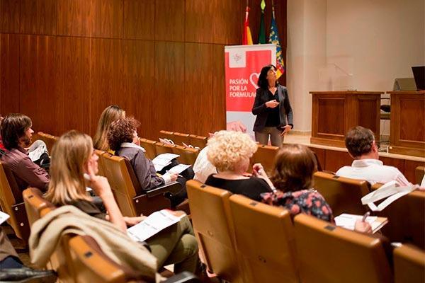 el icofcs celebra una sesion formativa para analizar lo ultimo en formulaciones orales