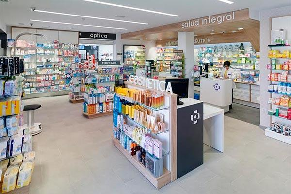 la nueva farmaciaptica lojo un servicio multidisciplinar y de primera calidad