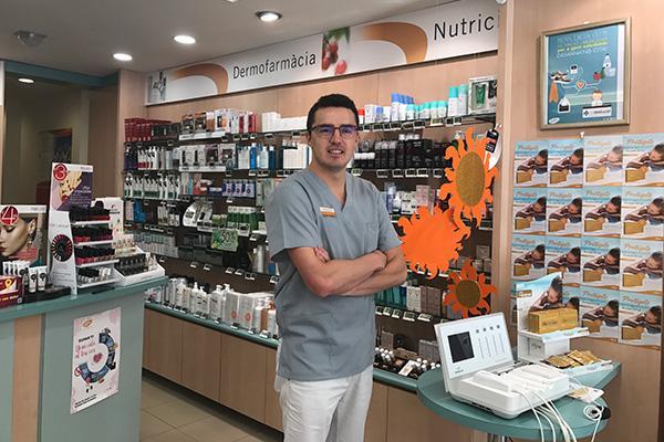 nos convertimos en el departamento de marketing de cada farmacia participando activamente en su mejora continua