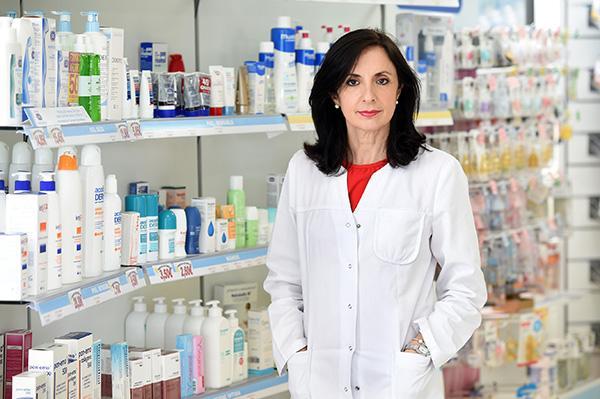 la farmacia siempre ha sido asistencial si bien ahora lo es mas que antes