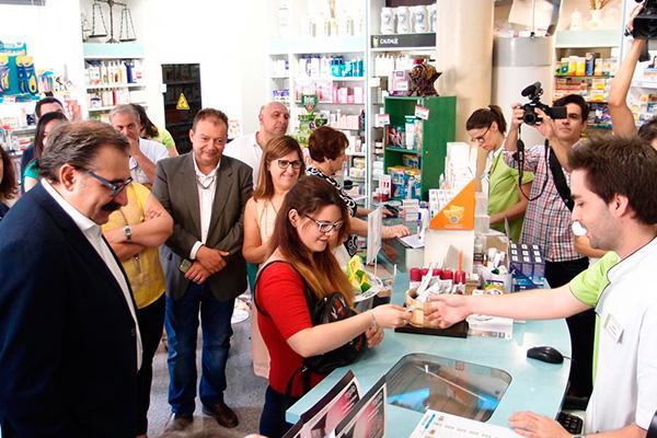 las farmacias manchegas dispensaron 50000 recetas de otras comunidades en verano
