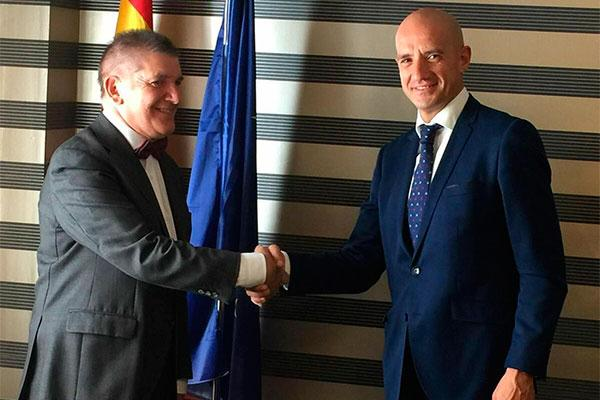 adefarma renueva el acuerdo de colaboracin con previsin sanitaria nacional