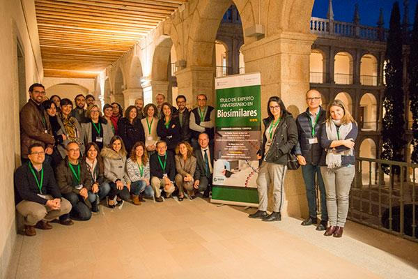 especialistas en digestivo y reumatologia participan en el curso de experto universitario en biosimilares
