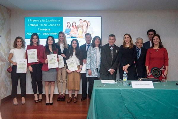 adefarma y bidafarma hacen entrega de su i premio a la excelencia trabajo fin de grado de farmacia