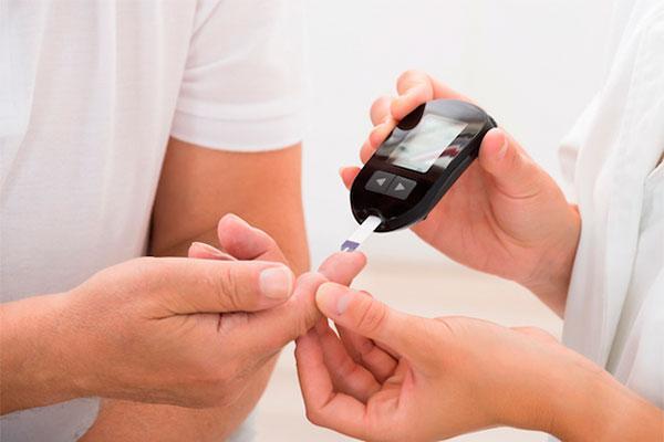 las farmacias gaditanas realizaran test a adultos para conocer su riesgo de padecer diabetes