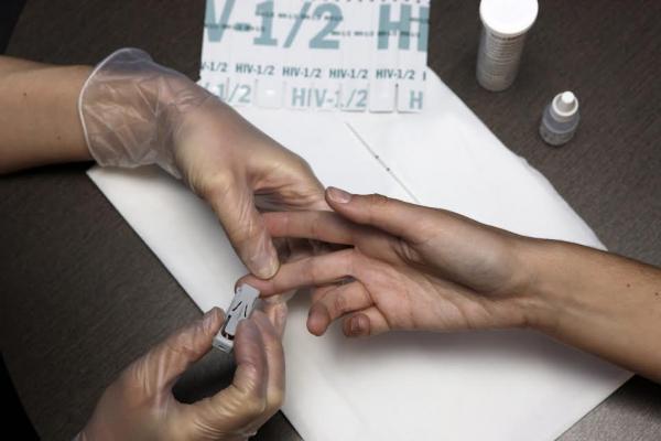 las farmacias vascas se consolidan como agentes de deteccion precoz del vih