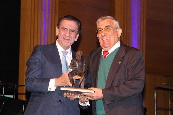 la fundacion cofares entrega su premio 2017 a farmaceuticos sin fronteras
