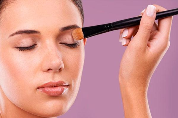 make up de sensilisnbspminimizanbsplos riesgos de aparicion de reacciones no deseadas sobre la piel