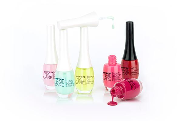 la nueva gama nail care de beter trata cuida y embellece las unas