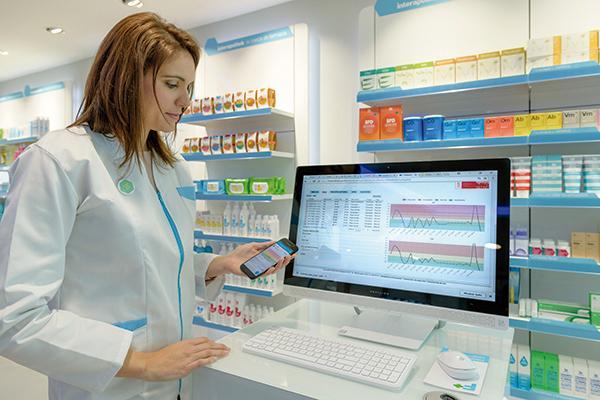 hefame apoya una red de farmacias inteligentes
