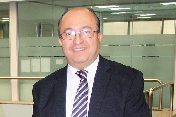 mariano aviles reelegido presidente de asedef