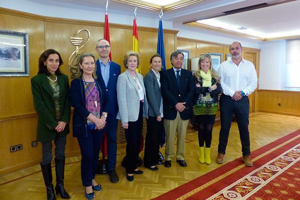 farmaceuticos y veterinarios de madrid se unen para optimizar el uso y acceso a los medicamentos veterinarios