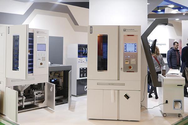 farmadosis lanza una maquina que realiza todo el proceso del blister automaticamente