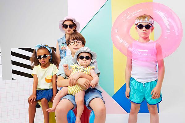 ki et la las gafas y gorros para proteger del sol amplia su coleccion hasta los 12 anos