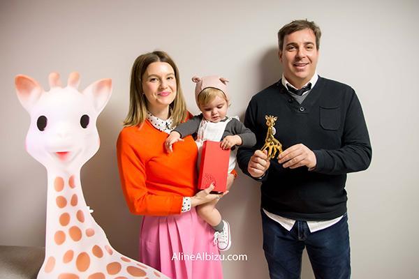 julieta la bebe mas bonita con su sophie la girafe 2017