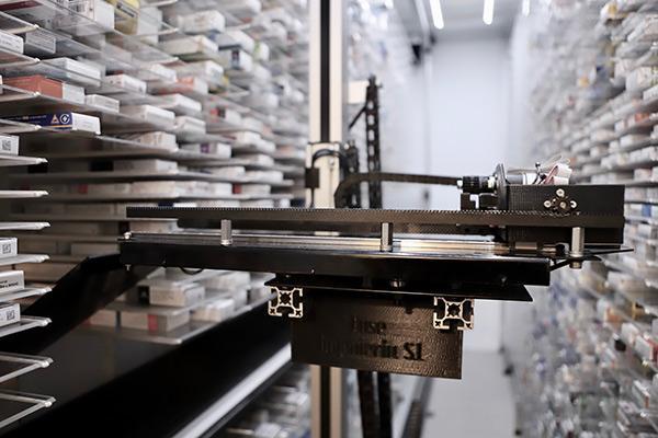 los robots de luse ingenieria se hacen a la medida de cada farmacia