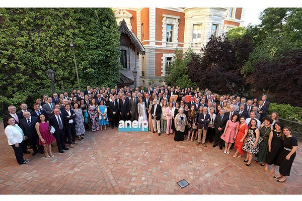 anefp reune al sector sanitario para celebrar su 40 aniversario