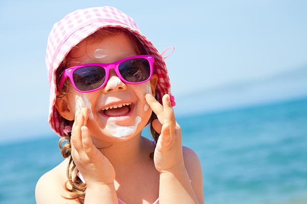 consejos para proteger a los ms pequeos de los efectos nocivos del sol