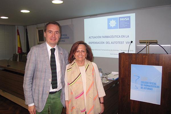 farmaceuticos asturianos se forman en el manejo del autotest del vih