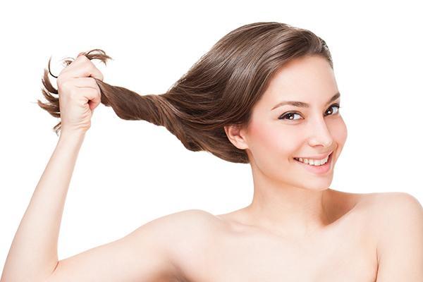 plus de belleza sobre un cabello sano