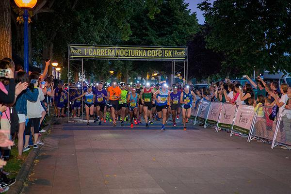 unos 350 corredores participan en la i carrera nocturna del cof de a corua