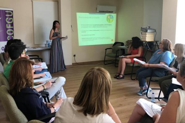 los farmacuticos de guadalajara participan en un taller de psicologa clnica