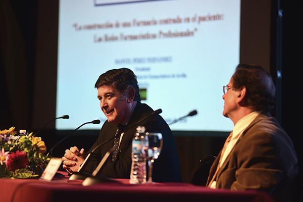 el presidente del cof sevilla da a conocer en argentina los avances de la farmacia asistencial andaluza