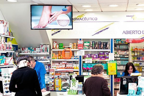 transformar la cartelera publicitaria en contenido audiovisual para aumentar las ventas en las farmacias