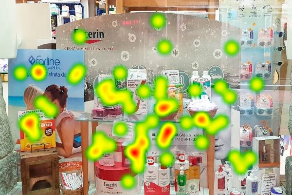 los-escaparates-claves-para-atraer-clientes-en-la-farmacia