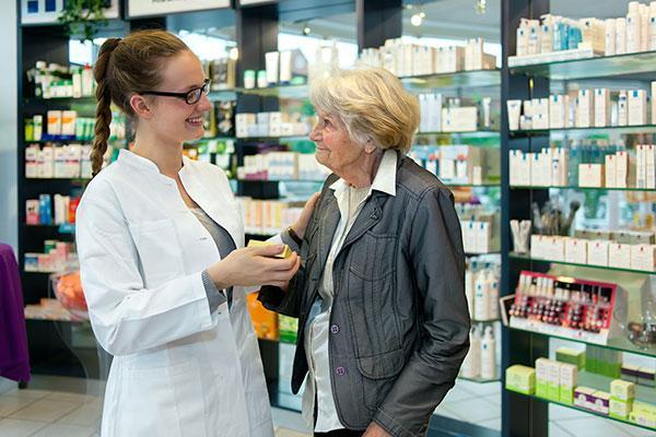 los farmaceuticos de tarragona se actualizan en la atencion a los ancianos