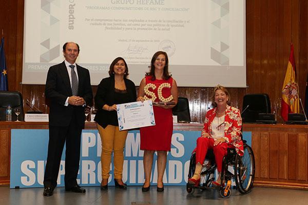 los premios supercuidadores reconocen la labor de grupo hefame