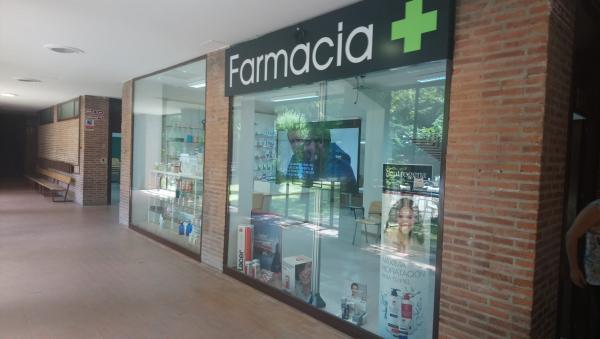 la universidad de salamanca y el grupo cofares inauguran una farmacia para mejorar la formacion practica de los futuros farmaceuticos