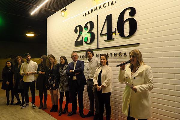 se-inaugura-la-farmacia-2346-que-ofrece-un-traje-a-medida-en-el-cuid