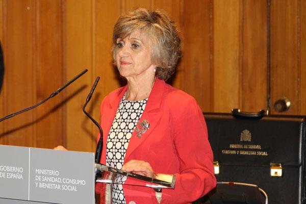 la ministra de sanidad reconoce las competencias profesionales del farmaceutico