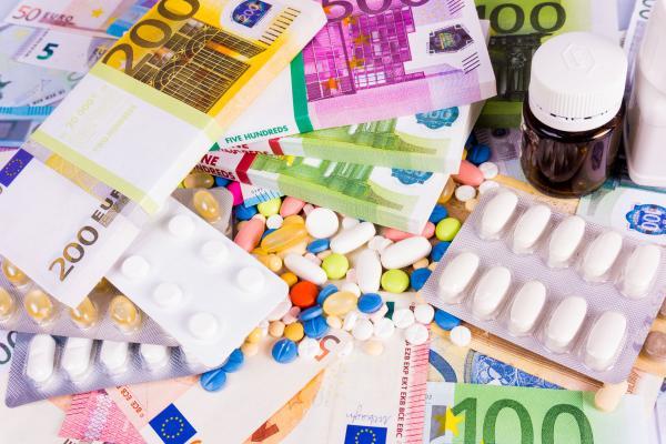 andalucia acaba con las subastas de medicamentos