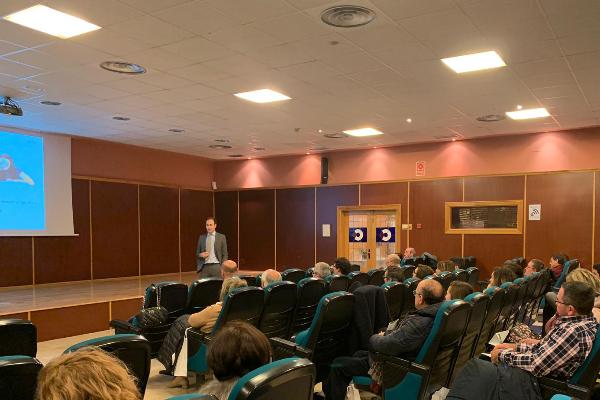 farmaquatrium analiza con los farmaceuticos asturianos las oportunidades de la transmision familiar de farmacias