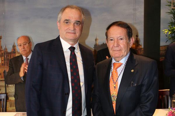 la fundacion avenzoar recibe la medalla de honor del consejo andaluz de colegios de farmaceuticos