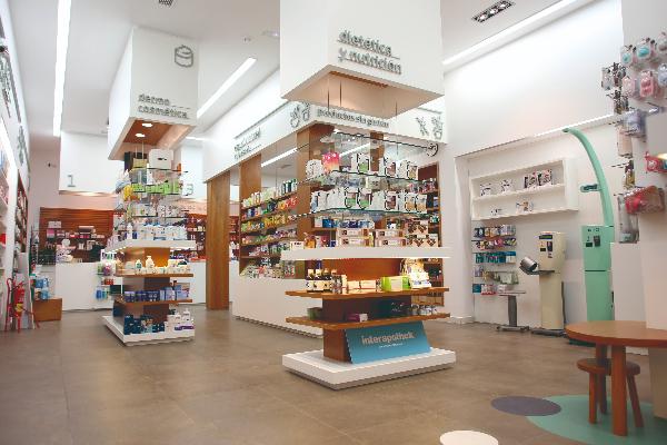aqtue apuesta por el orden la flexibilidad y la maximizacin del lineal en todas sus farmacias