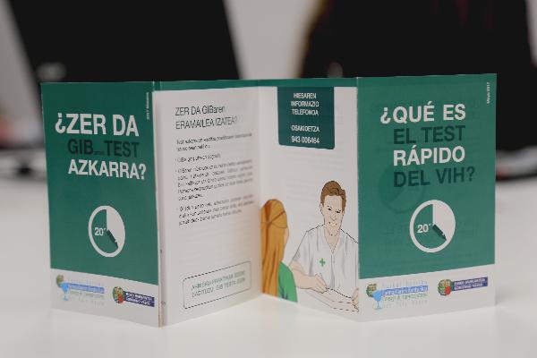 farmaceuticos alaveses se acreditan para la realizacion del test rapido del vih en farmacias