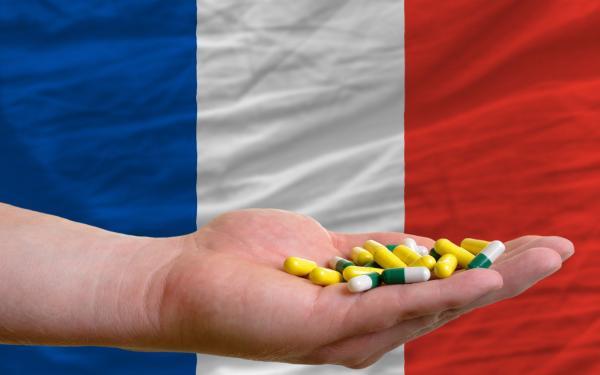 el primer ministro frances apuesta por la venta online de medicamentos