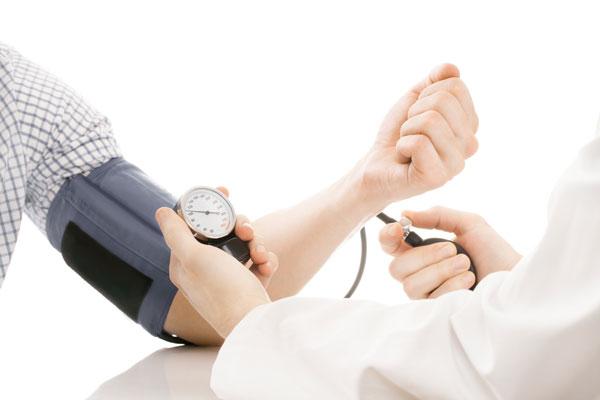 farmaceuticos andaluces establecen un nuevo punto de corte optimo para la presion arterial en la farmacia