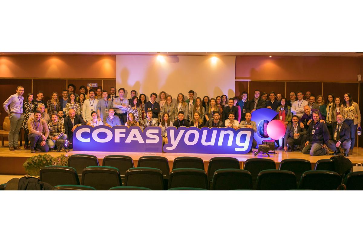 el i cofas young reune al futuro de la farmacia