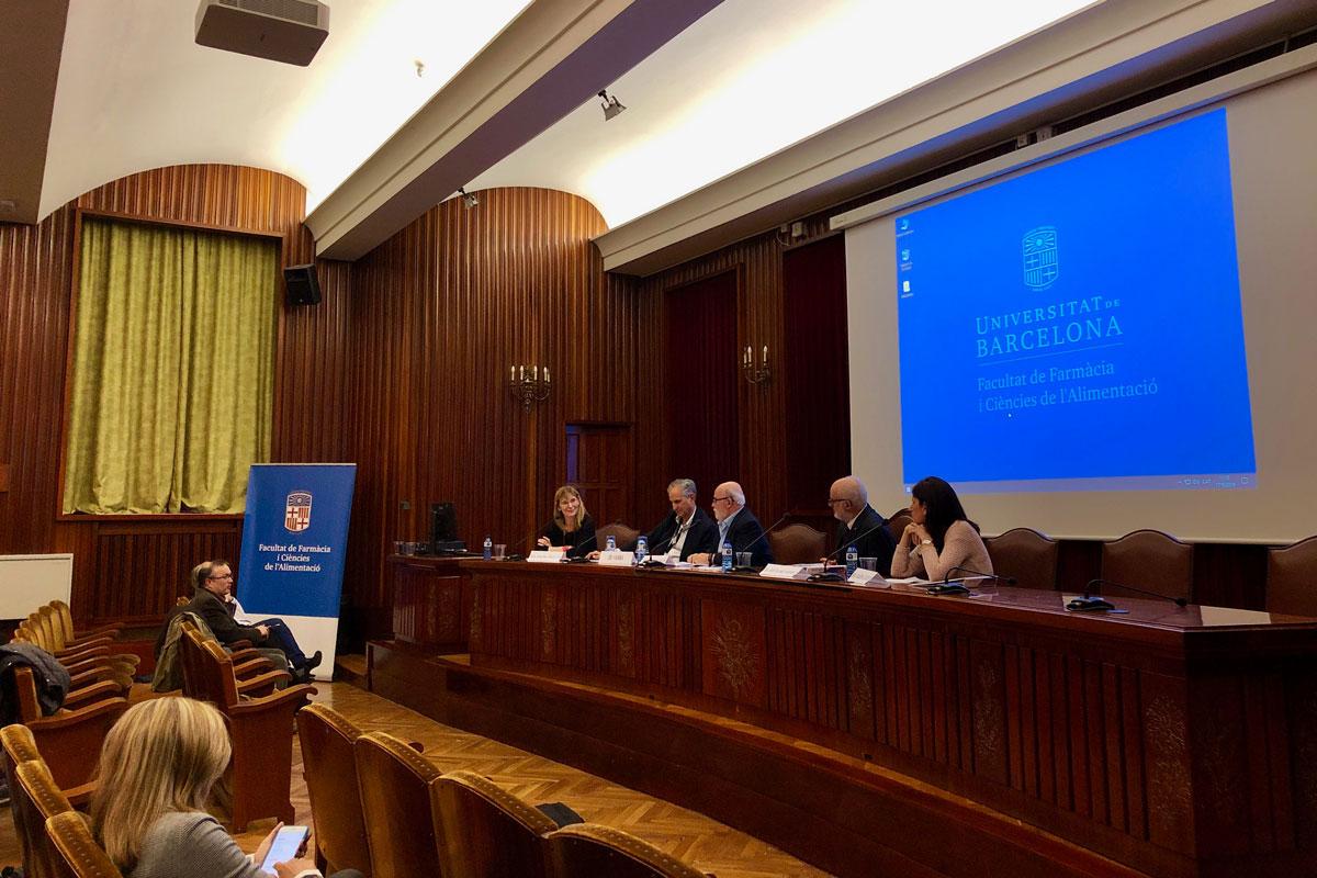 el-xii-forum-aprofarm-reune-a-socios-y-farmaceuticos-en-barcelona