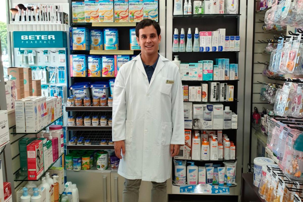 la-atencion-que-se-presta-en-la-farmacia-comunitaria-es-muy-valiosa