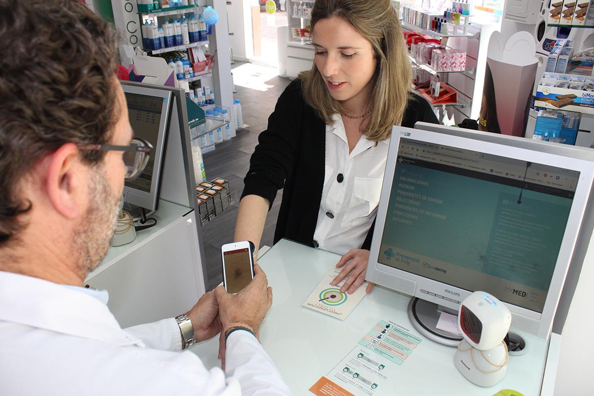la-teledermatologia-irrumpe-en-las-farmacias-de-la-mano-de-bidafarma